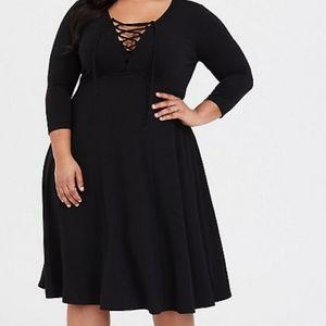 Sexy criss-cross black dress